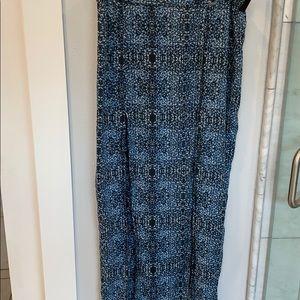 Cute Volcom blue/white/ black split maxi skirt